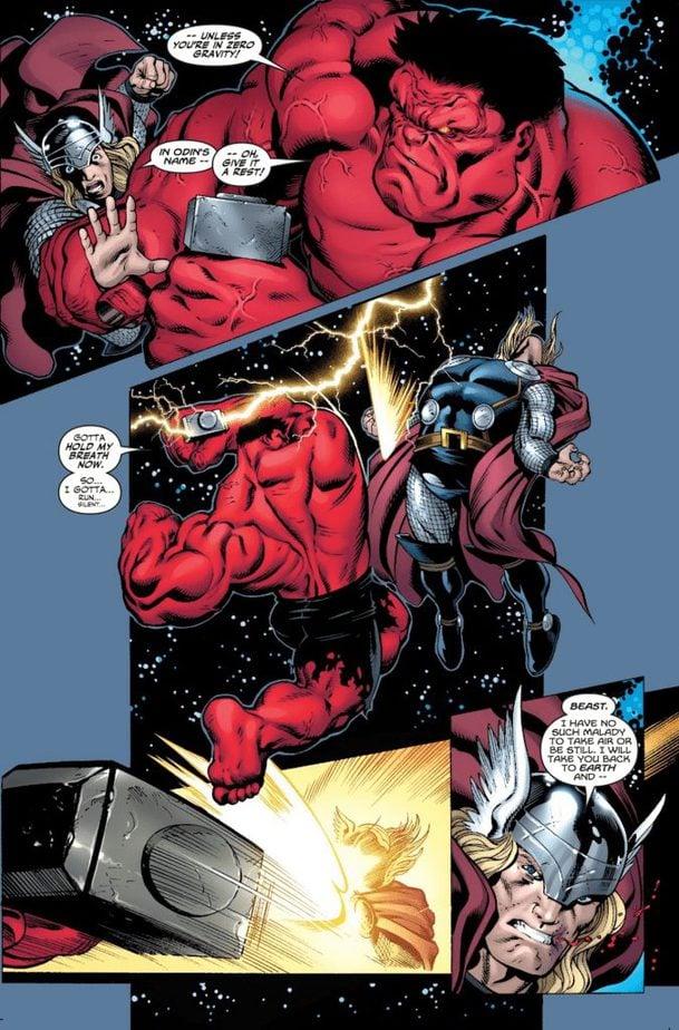 Red Hulk cầm Mjolnir