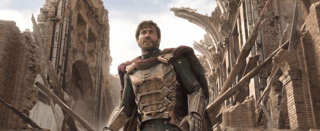 Còn đây là Mysterio trong phim do Jake Gyllenhaal thủ vai