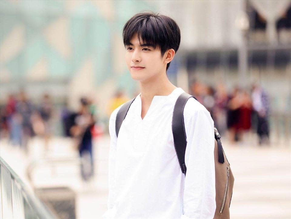Anh từng xuất hiện trong danh sách những thanh niên xuất sắc dưới 30 tuổi của Forbes Trung Quốc hồi tháng 10.2019.