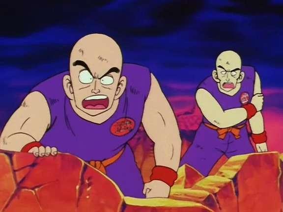 Lão rùa (trái) và Lão hạc (phải) khi chứng kiến sư phụ đấu với Ma vương Piccolo