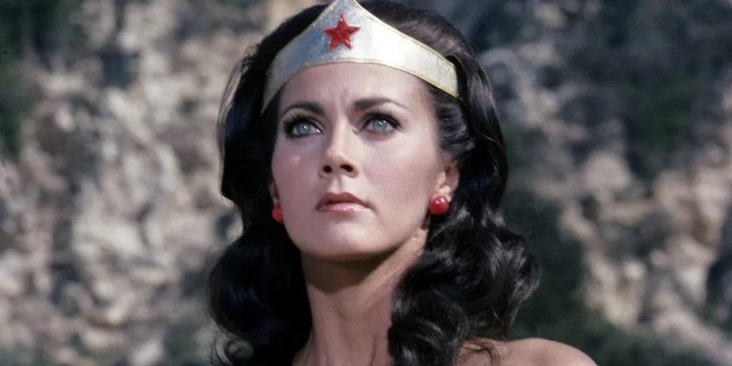 Lynda Carter trong vai Wonder Woman thập niên 70-80