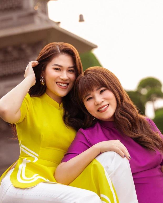 Bà Hằng Hải Vương và con gái